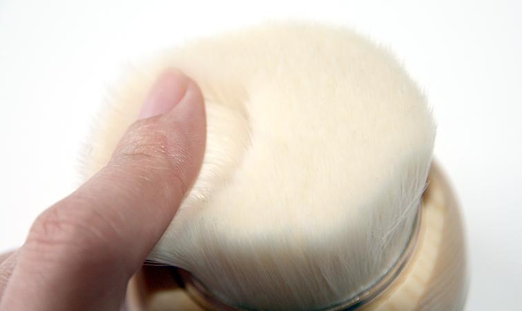 Une brosse très dense et des fibres très fines et souples !